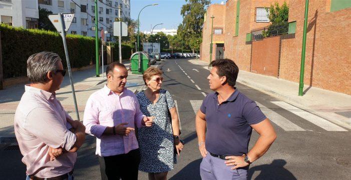 Concluye la reurbanización de la calle Carabela la Pinta dentro del programa de mejoras del barrio de Santa Clara