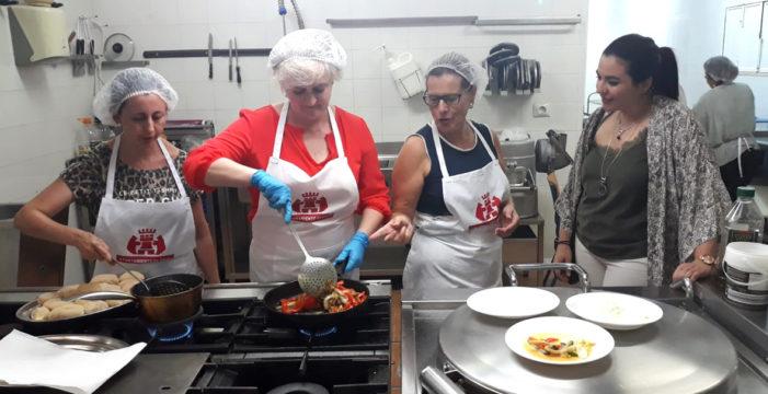 Osuna enseña a cocinar de manera saludable durante el verano