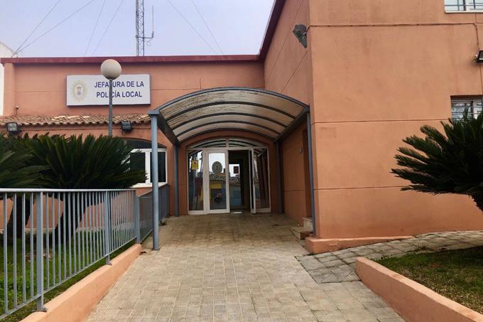 Un detenido por golpear y sacar un cuchillo a su ex pareja en Alcalá de Guadaíra