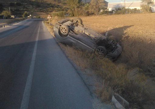 Un conductor bebido protagoniza una salida de vía en la carretera de Montellano a Morón