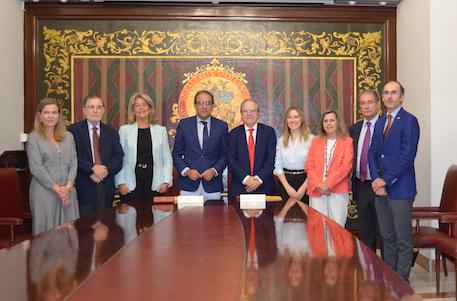 El Ateneo y la Universidad de Sevilla realzan sus lazos a favor de la Cultura