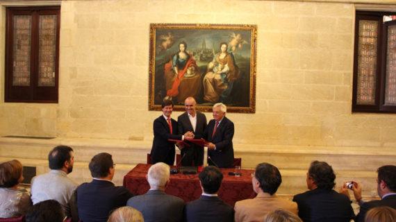 Firman una declaración por el turismo de Sevilla para trabajar en su sostenibilidad y calidad