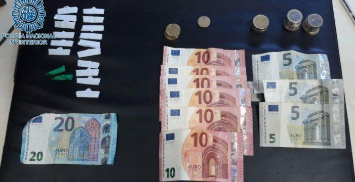 Una persona detenida acusada de 'menudeo' de drogas en la zona del Polígono Norte de Sevilla
