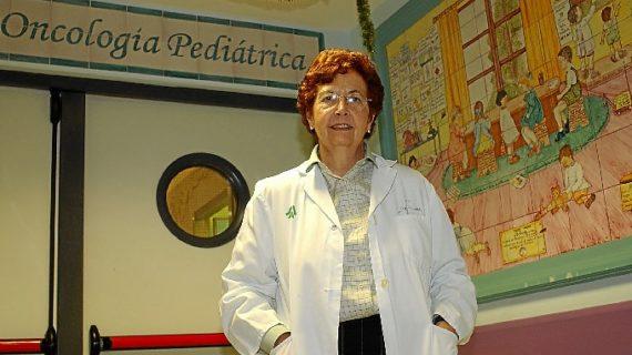 La oncóloga Ana María Álvarez Silván, más de 50 años luchando y ganando la batalla al cáncer infantil en Sevilla