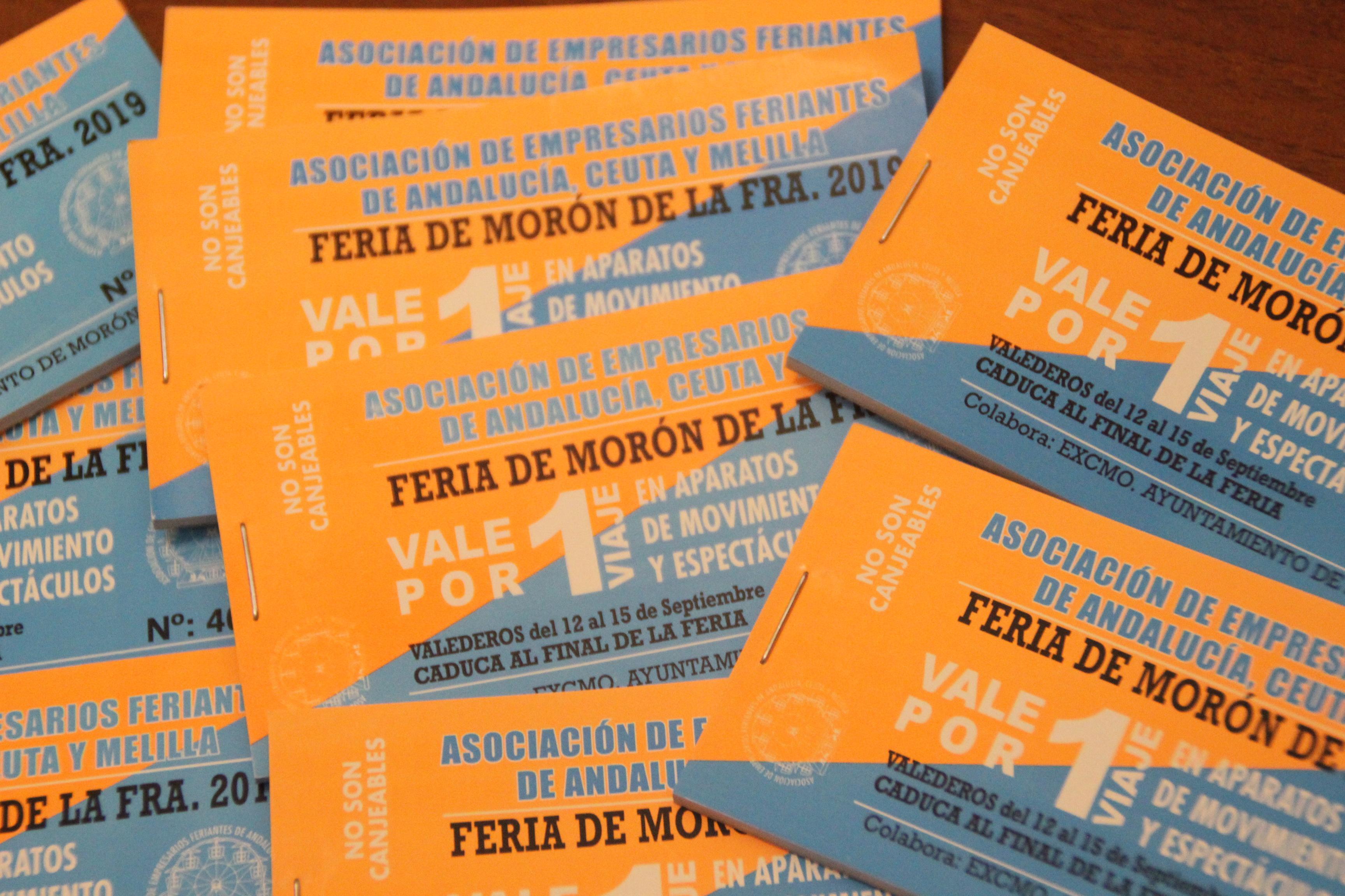 Morón repartirá entre los escolares 4.000 tickets para las atracciones de Feria