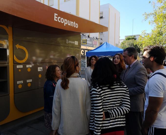 Ponen en servicio tres nuevos ecopuntos y distribuyen 27 compostadoras en colegios de Sevilla