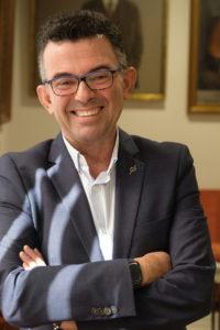 Francisco Medina repite como decano de la Facultad de Psicología.