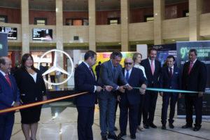 El alcalde Juan Espadas ha inaugurado el 9º Salón del Motor de Ocasión de Sevilla.