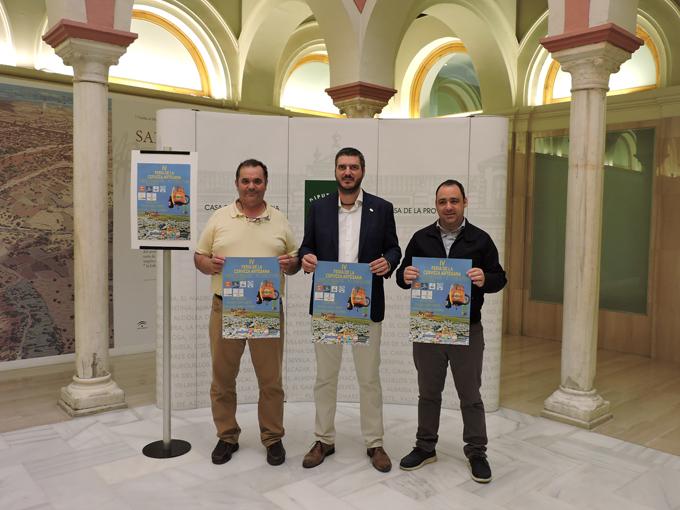 Instante de la presentación de la Feria de la Cerveza Artesana de Fuentes de Andalucía