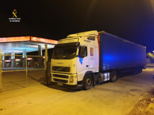 El camionero conducía bajos los efectos del alcohol.