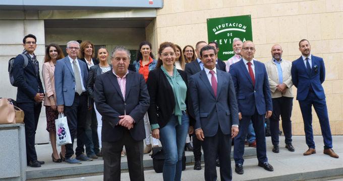 Una treintena de empresas turísticas sevillanas viajan a Málaga en misión comercial