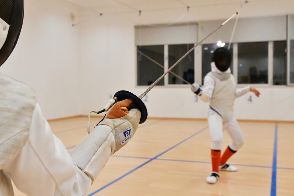 La Escuela Municipal de Esgrima de Tomares prepara el asalto a los campeonatos nacionales