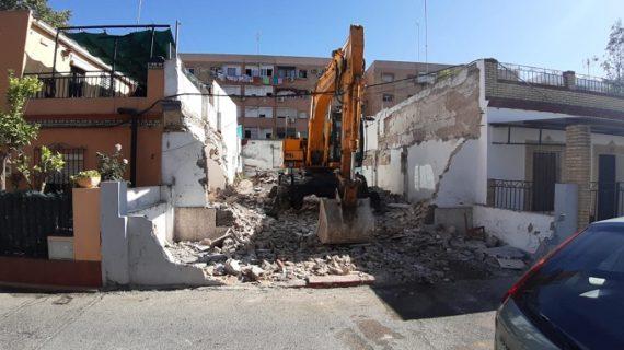 Demuelen una cuarta infravivienda en el entorno Guadaíra Sur