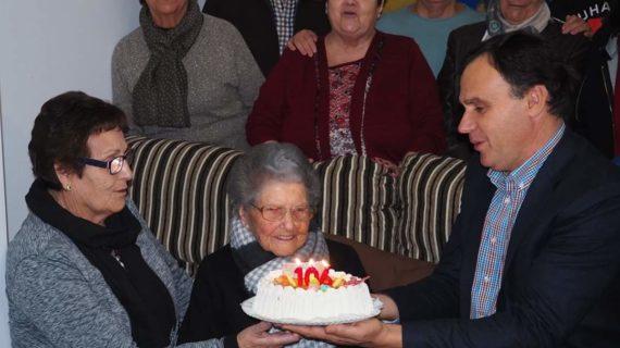 María del Castillo, la lebrijana que ha llegado a los 106 años como una rosa
