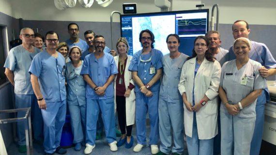 Cardiólogos del Valme y del Virgen del Rocío optimizan la accesibilidad de los pacientes cardiacos de alto riesgo