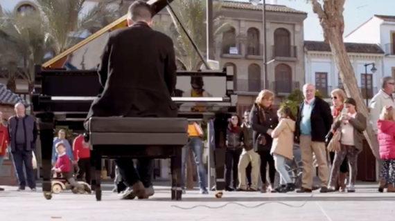 Los pianos y la danza salen a las calles de Utrera para celebrar Santa Cecilia