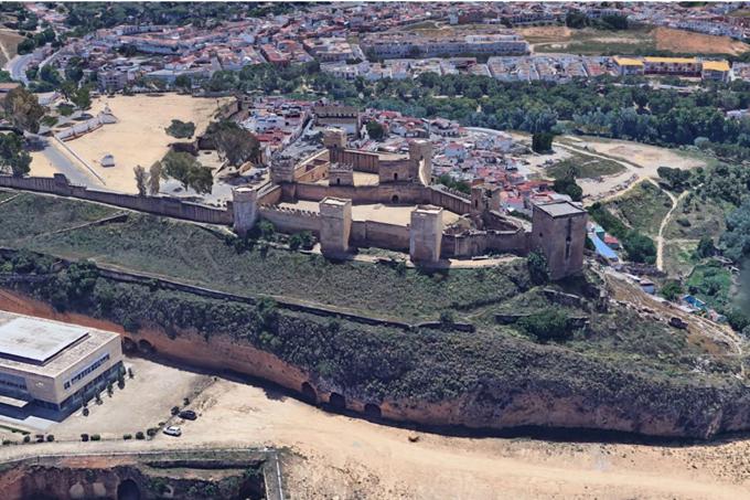 Las obras de emergencia en la Muralla Sur del Castillo de Alcalá de Guadaíra darán paso a una rehabilitación integral