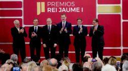 El profesor Aníbal Ollero recoge el Premio Rei Jaume I