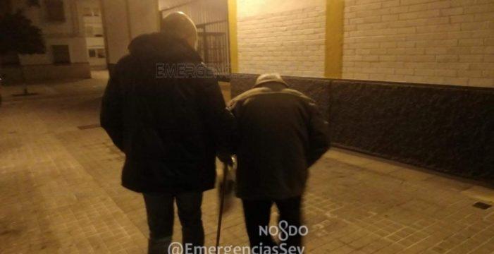 Auxilian a un anciano de 89 años algo desorientado tras hacer dos veces la misma ruta de Tussam