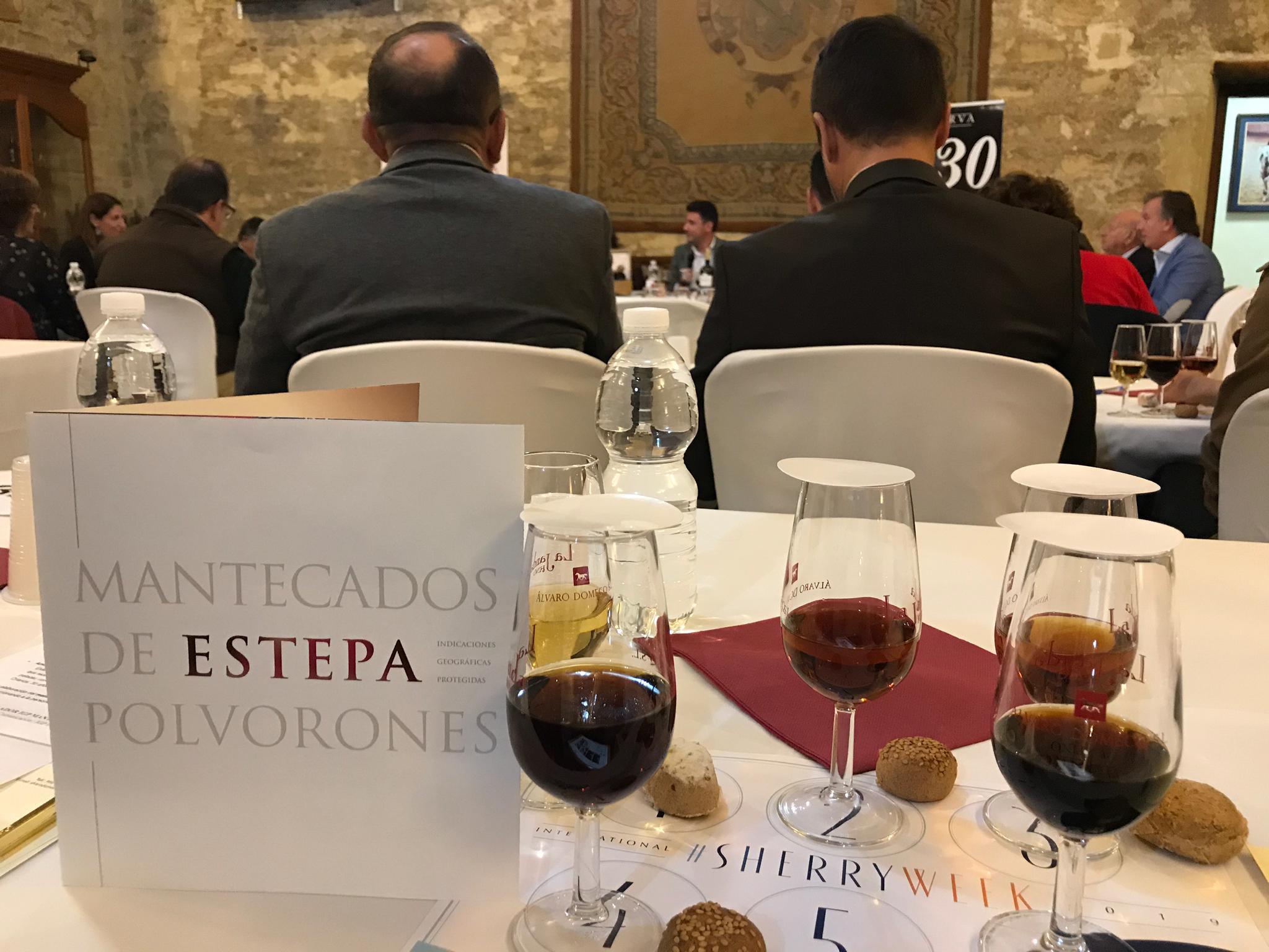 Los mantecados y polvorones de Estepa,  maridados con el mejor vino de Jerez