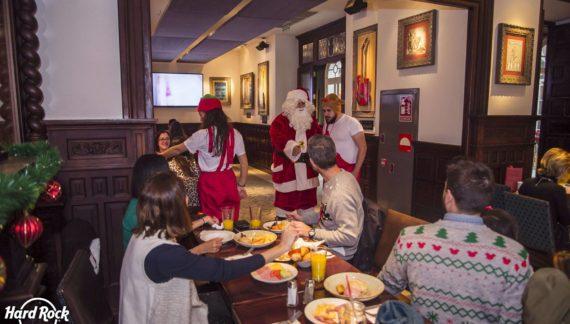 Desayuno navideño con Santa Claus en el Hard Rock Cafe Sevilla