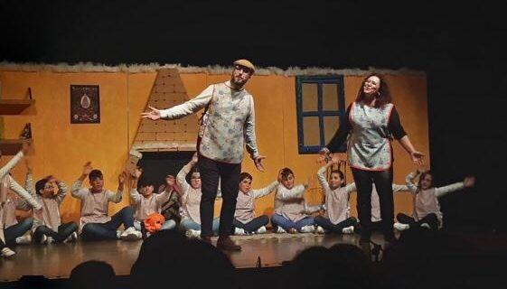 El musical solidario 'El hogar de los sueños' recauda fondos para que ningún niño de Gines se quede sin juguetes
