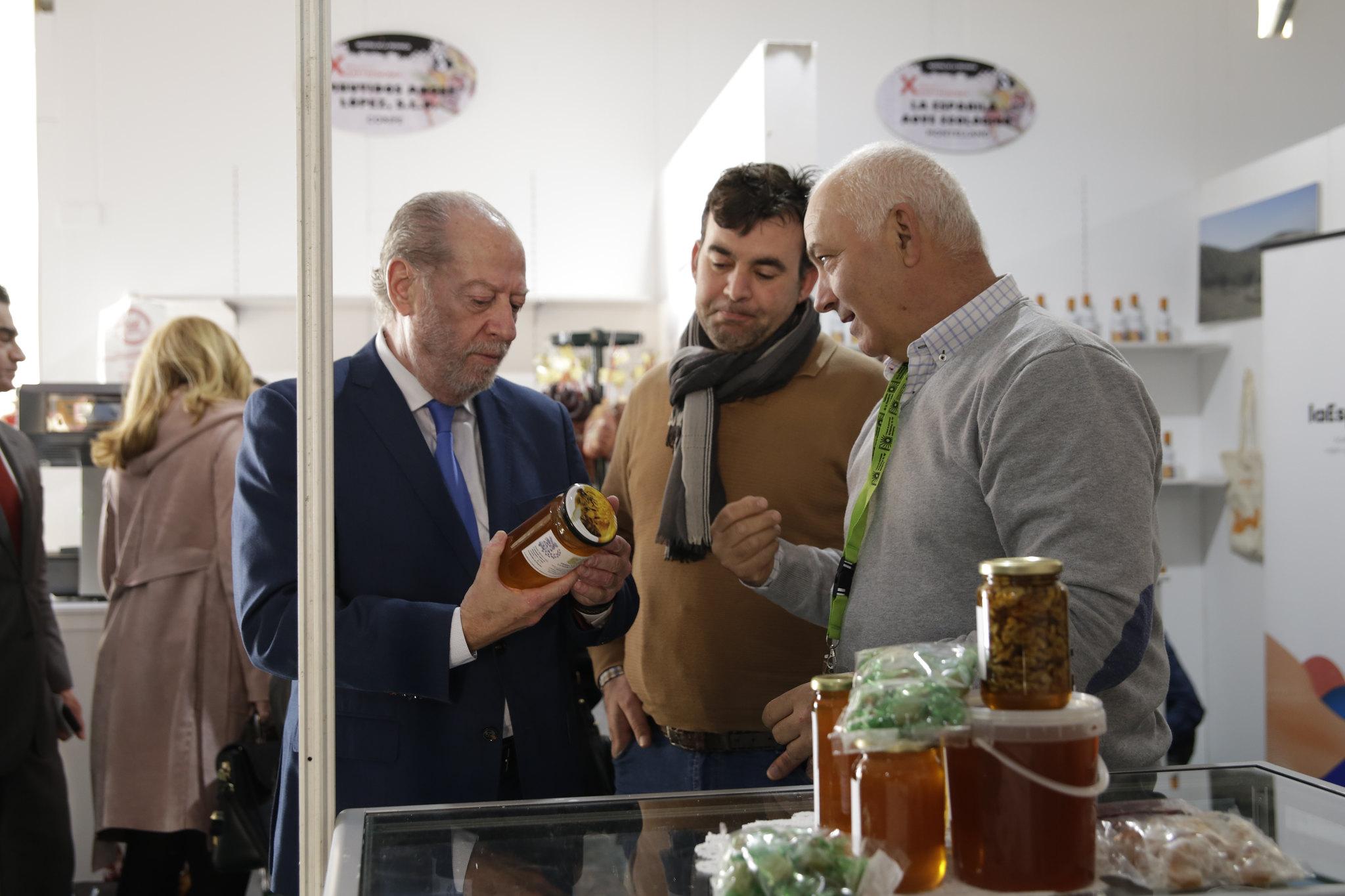 """Sevilla prepara la """"alacena de la Navidad"""" con su tradicional muestra de productos agroalimentarios de la provincia"""