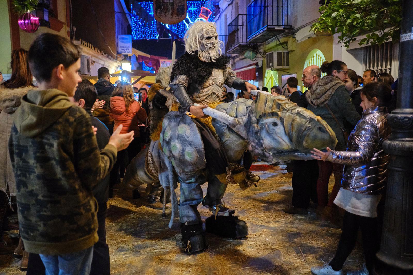 Gines se llena de fantasía, magia e ilusión en su XIII Mercado Medieval y Navideño