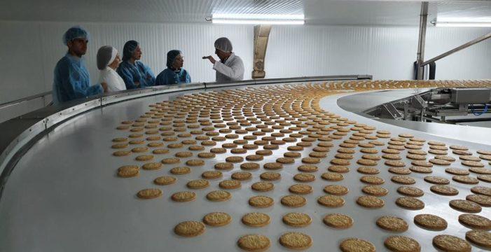 Matarile pone en marcha la fabricación de galletas Virginias en Marchena