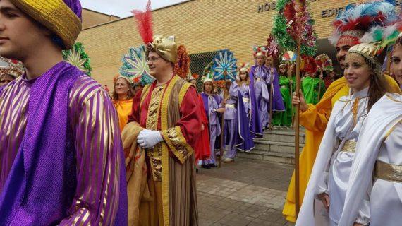 El Cartero Real recoge las ilusiones de los niños ingresados en el Virgen del Rocío