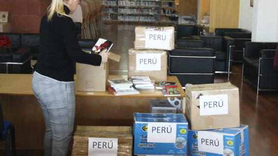 Las bibliotecas de Mairena del Alcor donan un gran lote de libros a la escuela Mulacancha de Perú
