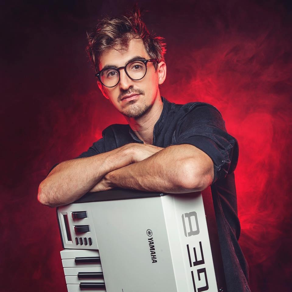 Ale Romero, con música alrededor del mundo