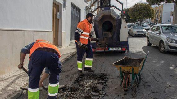 Estepa pone en marcha un servicio de asfaltado eficiente