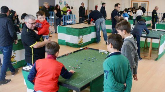 El fútbol chapas pone a prueba a su cantera en el I Open Nacional Infantil de Tomares