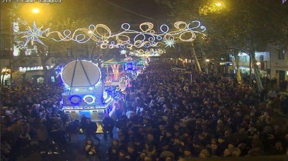Los Reyes pasan por Sevilla dejando toneladas de ilusión