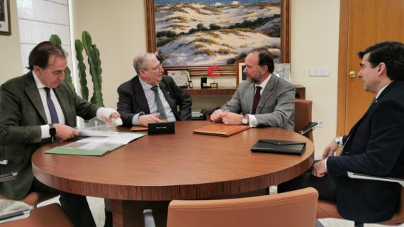 El Consejo de Hermandades y la Fundación Caja Rural del Sur renuevan su acuerdo de colaboración