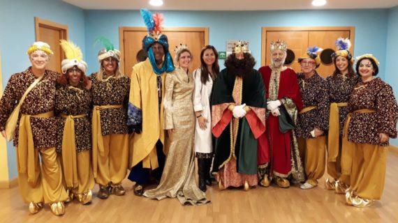 Los hospitales de Valme y El Tomillar han celebrado su particular Cabalgata de Reyes Magos