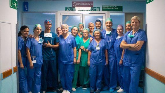 Un equipo del Virgen del Rocío ofrece un novedoso tratamiento quirúrgico a dos niños con tumores abdominales raros