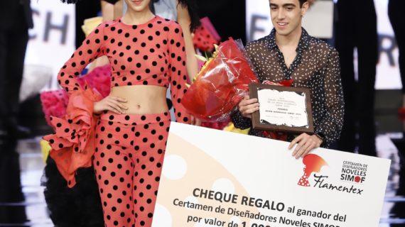 El granadino Carlos Checa gana el Certamen de Jóvenes Diseñadores de SIMOF