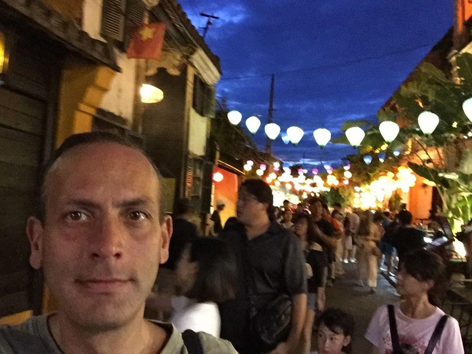 Antonio, un profesor de lengua en Suzhou con alma de casteller