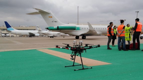 Drones para la inspección del campo de vuelo en el Aeropuerto de Sevilla