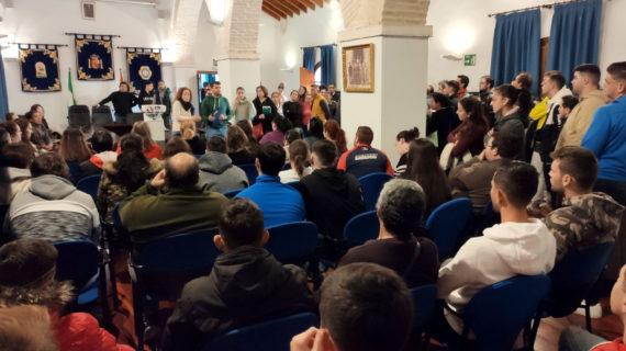 Más de 200 vecinos de Benacazón responden a una oferta de empleo en Almonte