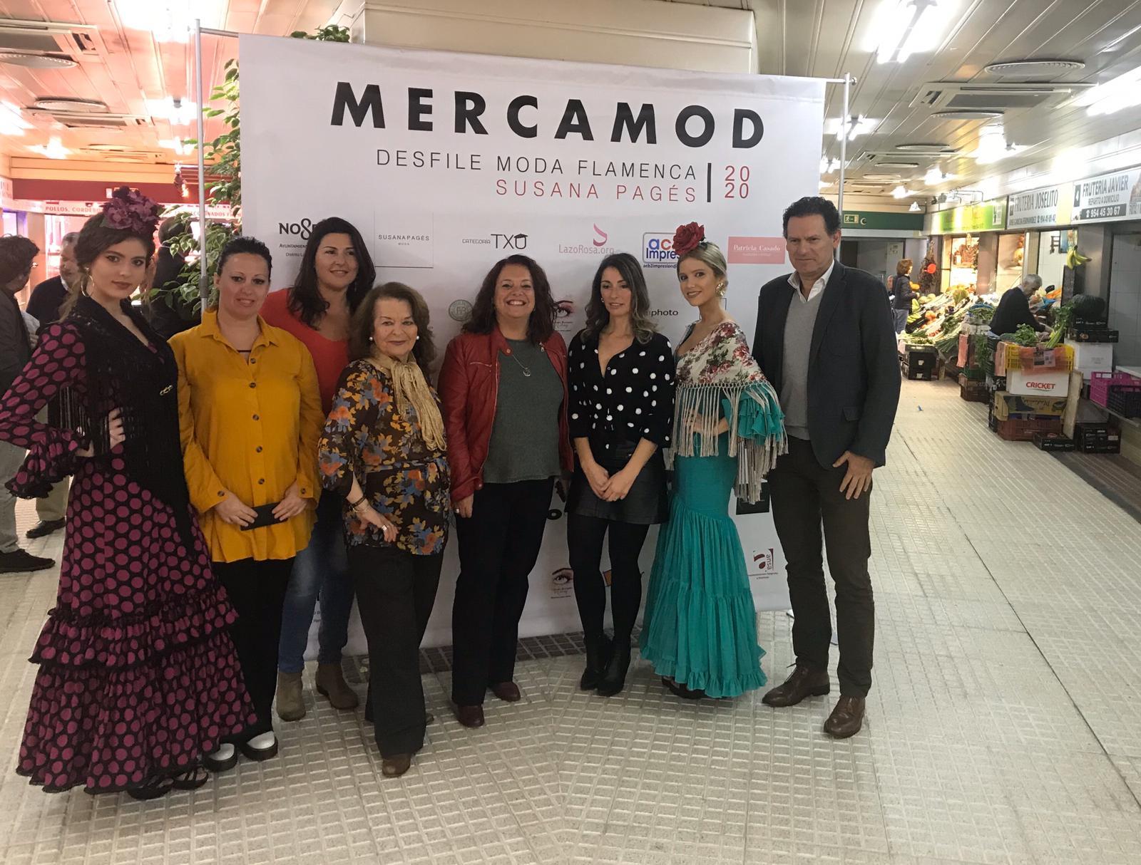Un desfile de moda flamenca llenará los puestos del mercado de Los Remedios