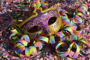 mascara carnaval confeti