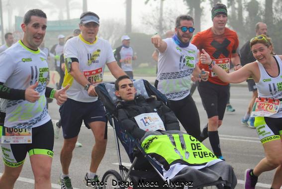 medico corre por la discapacidad