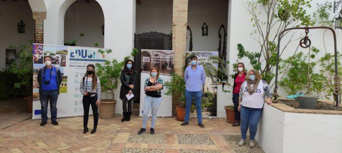 Los integrantes del fam trip en una visita a la Casa Palacio Duque de Arcos, en Mairena del Alcor