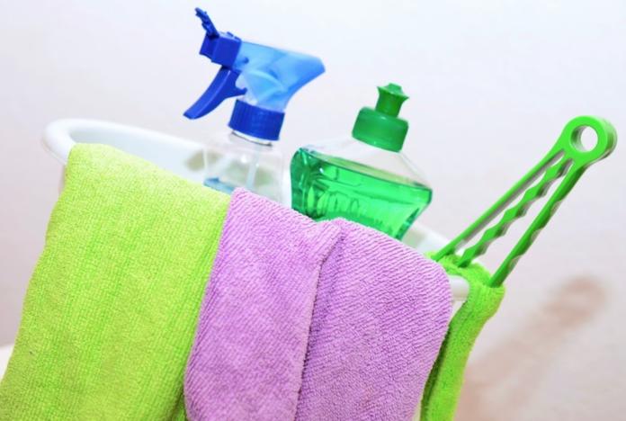 ¿Dónde contratar servicios de limpieza y mantenimiento?