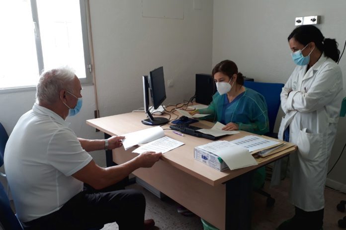 Equipo de cirujanos y profesionales de enfermería de la consulta de Proctología.