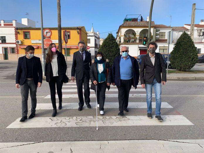 Semáforos sonoros en La Rinconada para personas ciegas.