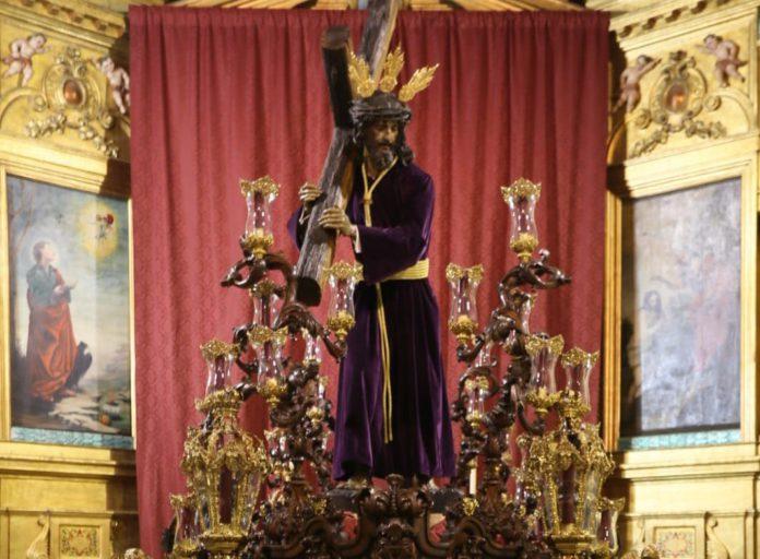 El Arzobispado deja abierta la puerta a montar altares con cristos y vírgenes en templos durante Semana Santa